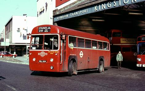 RF516 leaves Kingston Bus Station